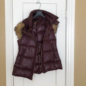 Vince Camuto burgundy puffer vest with fur lining